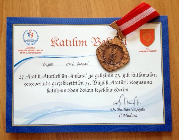 Atatürk Koşusu katılım belgesi ve madalya
