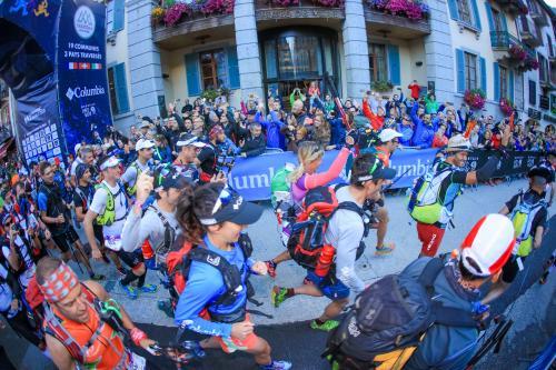 PTL Start anı. Bu sene ilk kez Türkiye'den bir takım bu etaba katıldı. © UTMB® - photo : Franck Oddoux